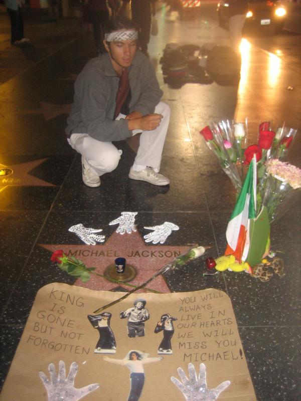 Diego visits Michael Jackson's star memorial.